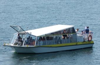 Véritable mer intérieure, le lac de Parelou conjugue parfaitement farniente, pêche et spots nautiques.