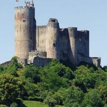 La forteresse domine tout le Rouergue.