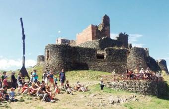 Le château de Calmont d'Olt est un joyau sur la route des seigneurs du Rouergue.