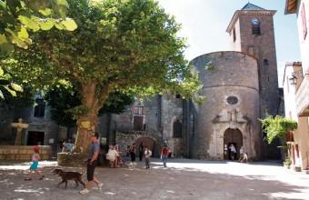 Vestiges de l'histoire médiévale du village réjouiront les visiteurs.