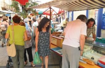 Le samedi, les transactions se font directement avec les producteurs locaux.