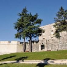 Le Fort Vauban trône au-dessus de la sous-préfecture gardoise, ville-porte vers les Causses et Cévennes.