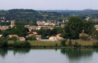 Roquemaure est connue comme le berceau historique de la côte du Rhône.