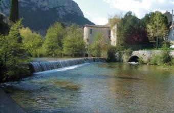 Moulins, tanneries et anciennes filatures prennent naturellement place au bord du fleuve Vidourle.