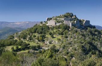 Au-dessus des gorges du Termenet, le château a résisté à un long siège.