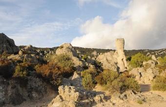 Le cirque de Mourèze offre un paysage dolomitique surréaliste.