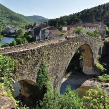 Le pont du Diable bâti au XIIe siècle est classé aux Monuments historiques.