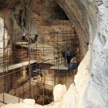 C'est dans la Caune de l'Arago que furent exhumés les vestiges de notre ancêtre.
