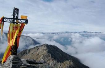 Surnommé d'une Croix, l'approche du pic du Canigou s'avère aisément accessible.