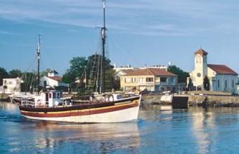 Au Grau-d'Agde, retrouvez l'ambiance conviviale d'un village de pêcheurs.