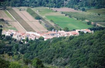 Aux Aires, la source jaillissait au VIIe siècle après le percement des mines.