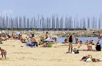 La station possède sept kilomètres de larges plages en pente douce. Bronzage, siestes et châteaux de sable au programme!