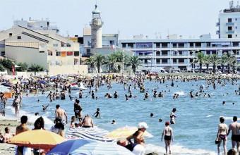 La plage et la Grande Bleue bien sûr, un des atouts majeurs du Grau-du-Roi qui met tout en oeuvre pour l'accueil chaleureux des vacanciers.